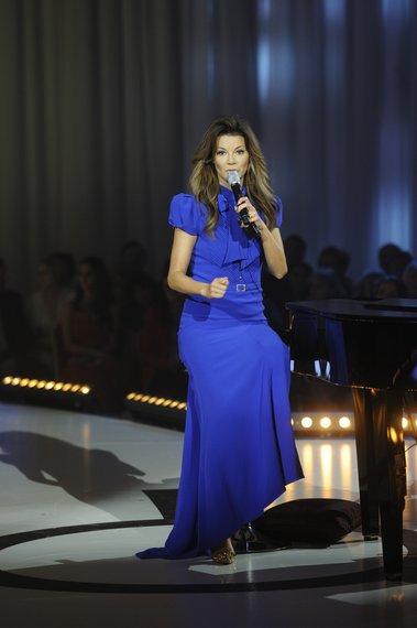 2013-02-edyta-gorniak-w-sukience-vintage-grzegorza-kasperskiego